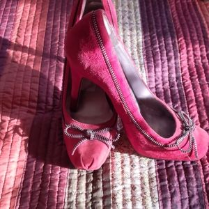 Guess Red suede heels